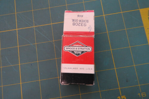 Genuine OEM Briggs /& Stratton 93208 Carburetor Mounting Screw Bolt lot of 3