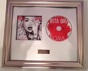 PERSONALLY-SIGNED-AUTOGRAPHED-RITA-ORA-ORA-CD-FRAMED-PRESENTATION