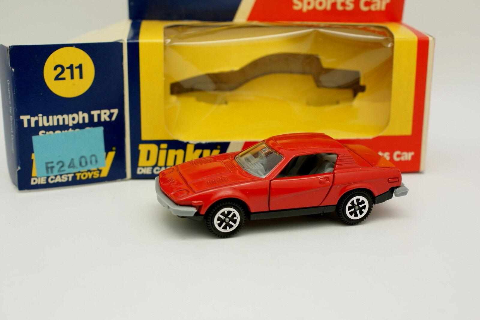 Dinky Spielzeug GB 1 43 - Triumph TR7 Rot 211