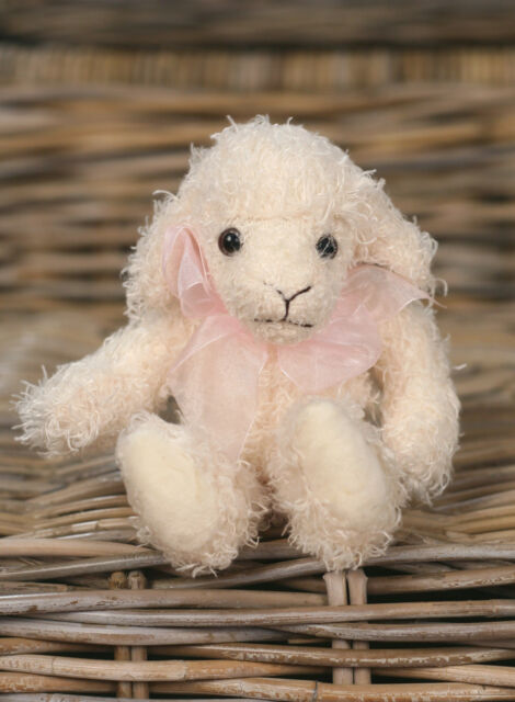 Settler Bears 'Lambie' Handmade Lamb Teddy Bear Gift 20cms BRAND NEW