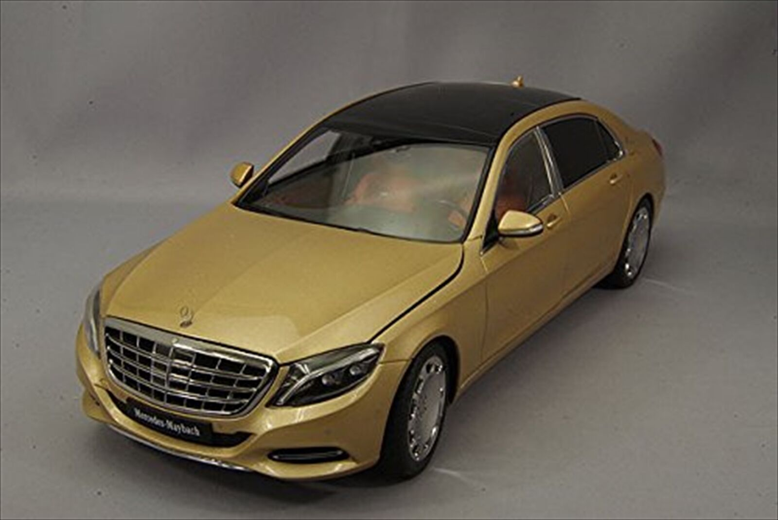 Autoart  Mercedes S 600 de marketing Maybach compuesto Dorado Champagne Modelo 76294
