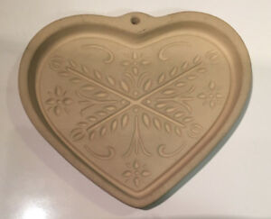 Pampered-Chef-2000-Anniversary-Heart-Stoneware-Cookie-Mold