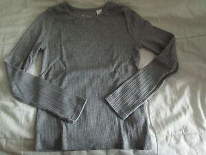 Tee-shirt-Uni-Gris-ML-T8ans-marque-Okaidi-en-TBE