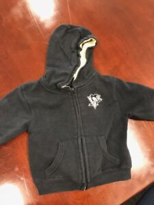 pretty nice 2d3b0 8b592 Details about Pre-Owned Unisex Toddler Reebok Pittsburgh Penguins Hoodie  Size 3T Black Gold