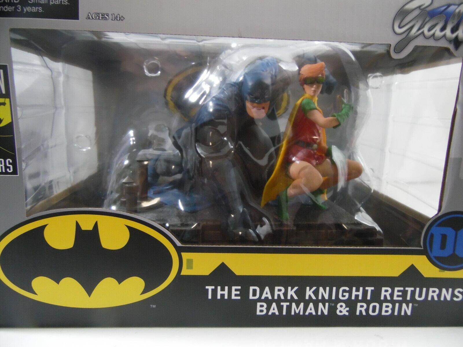 DC Comics Gtuttiery  The Dark Knight Returns Batuomo e Robin Deluxe Statue  scelte con prezzo basso