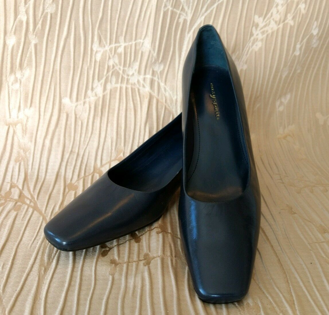 Easy Spirit Escaridad Medium Heel shoes Pumps Square Toes Navy size 7.5 M