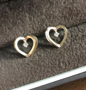 14kt-Gold-Heart-Shaped-Earrings-With-Diamond-Studs-No-Backing