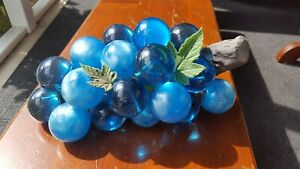 Vintage-MCM-Lucite-Grape-Cluster-Aqua-Teal-Blue-and-Pearlized-Blue-Large