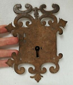 Early-Large-Antique-17th-or-18th-c-Hand-Wrought-Iron-Lock-Mechanism