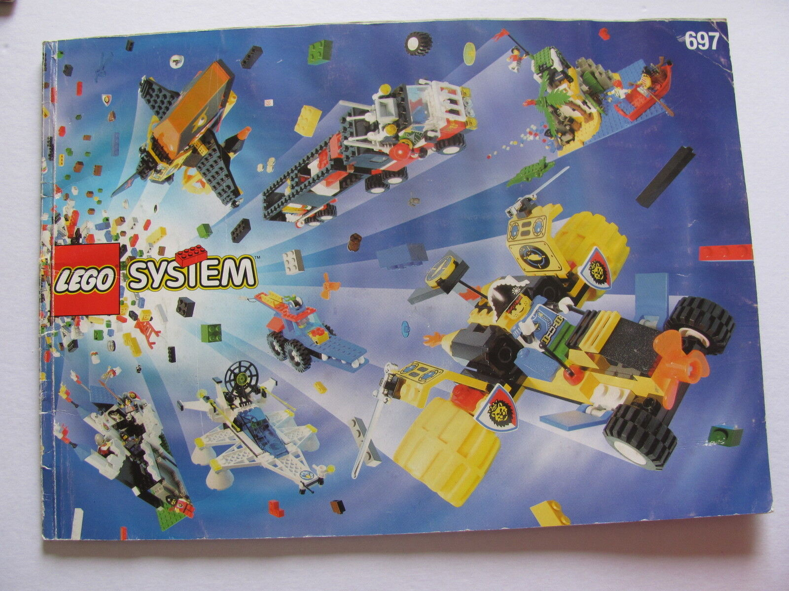 LEGO 697 @@  NOTICE   INSTRUCTIONS BOOKLET  @@  BAUANLEITUNG 6d450a