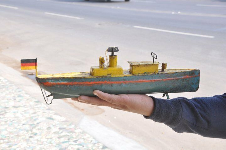 Early Vintage Wind Up Handpainted Unique Boat   Steamer Tin Toy , Germany