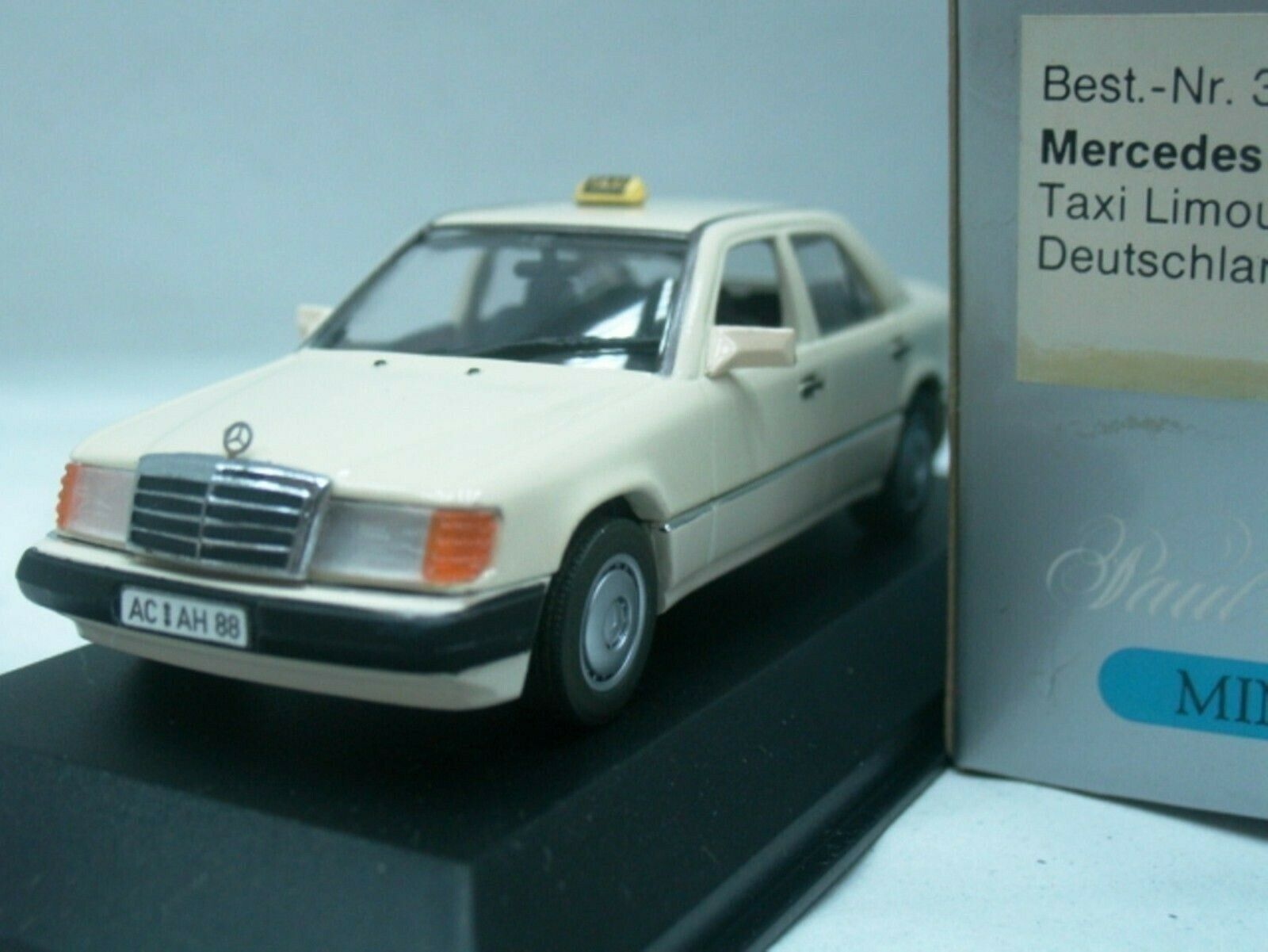 Wow extrêmement rare MERCEDES W124 250D berline Taxi 1 43 Minichamps - 300 450 560 E9