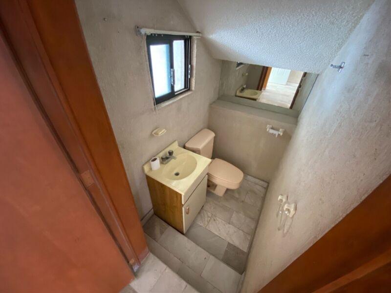 Casa Venta Oportunidad Centrica Privada Claustros del Parque Queretaro Remodelar