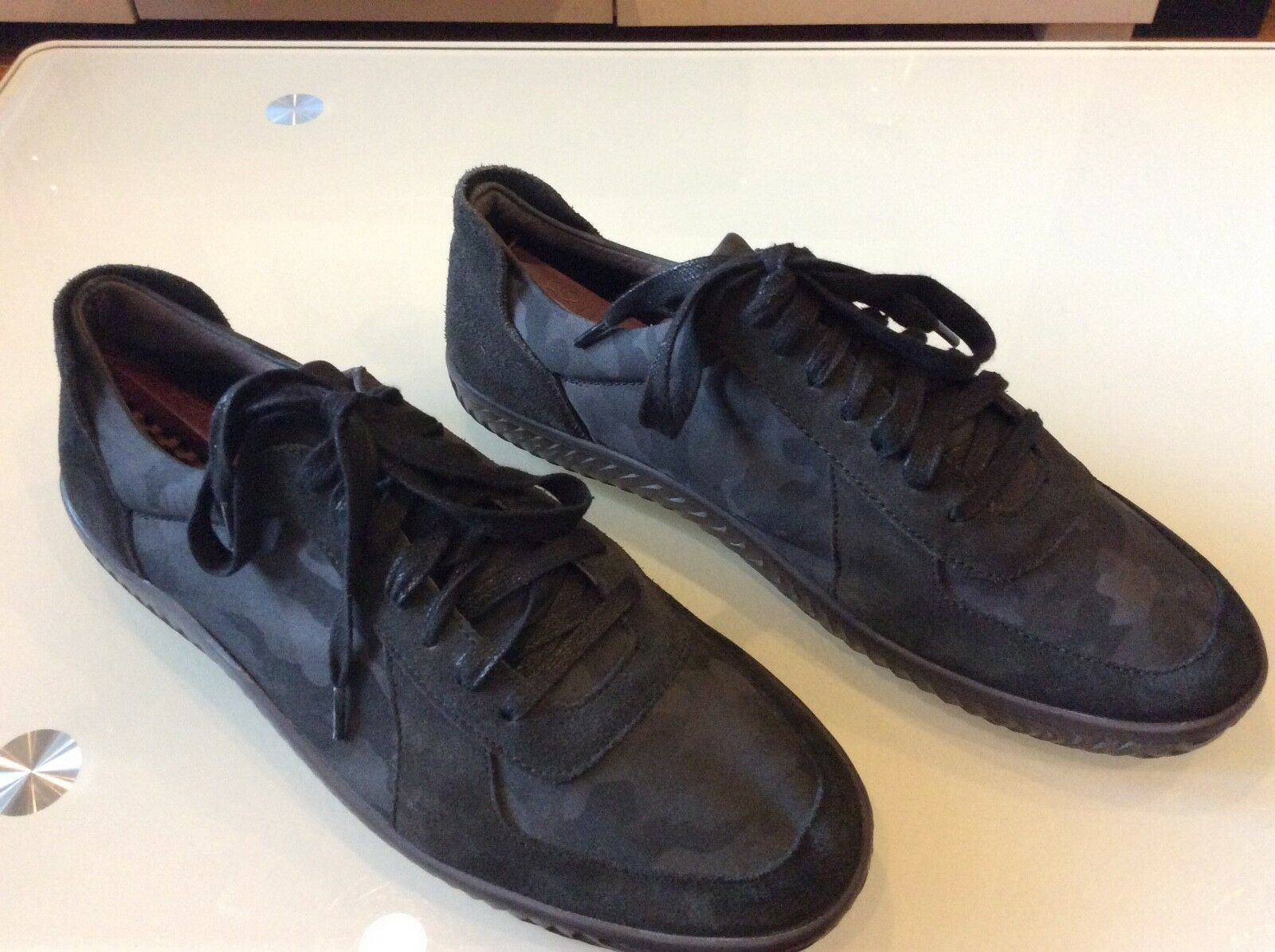 00f647a8d8b6 John Varvatos Men s Black Suede-camouflaged Sneakers Size 10 10 10 64.00  8f5764