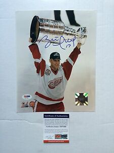 Brett Hull Signed Autographed Detroit Red Wings 8x10 Photo PSA/DNA cert