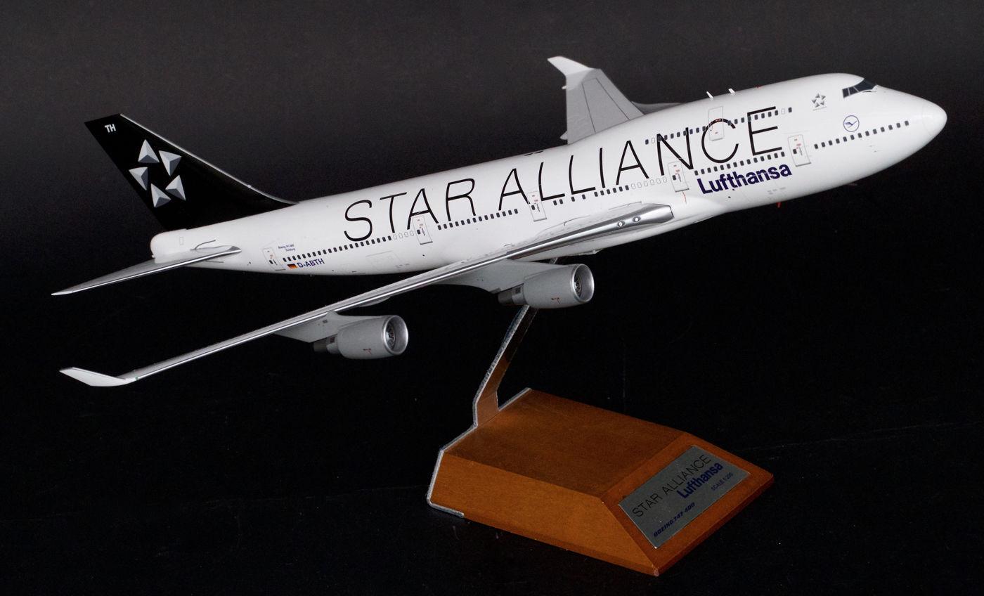JC Wings 1 200 Lufthansa Boeing B747-400 'Star Alliance' Alliance' Alliance' D-ABTH (XX2409) 6378cb