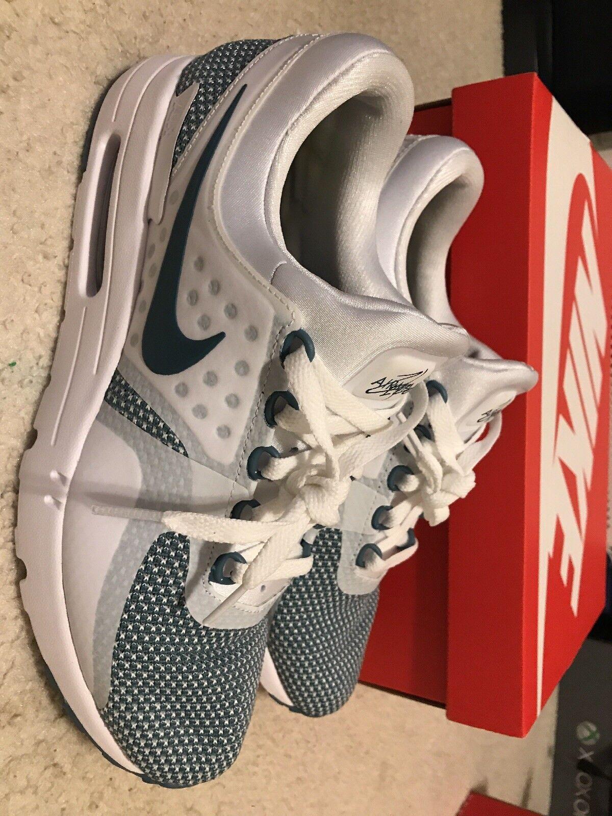 Nike AIR MAX ZERO ESSENTIAL Blue - Mens  - Size 9