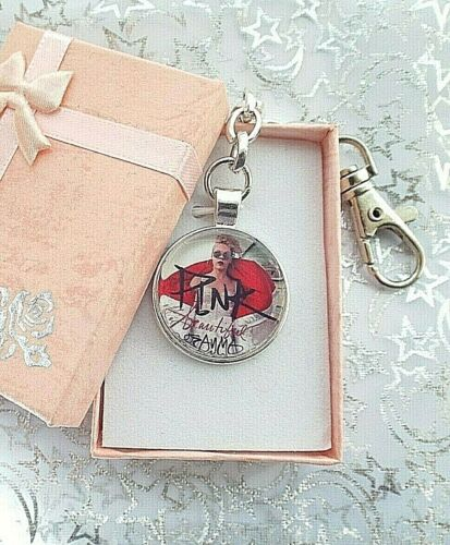 PINK SINGER   KEYRING KEY CHAIN CLIP  WITH GIFT BOX  GIFT  BIRTHDAY