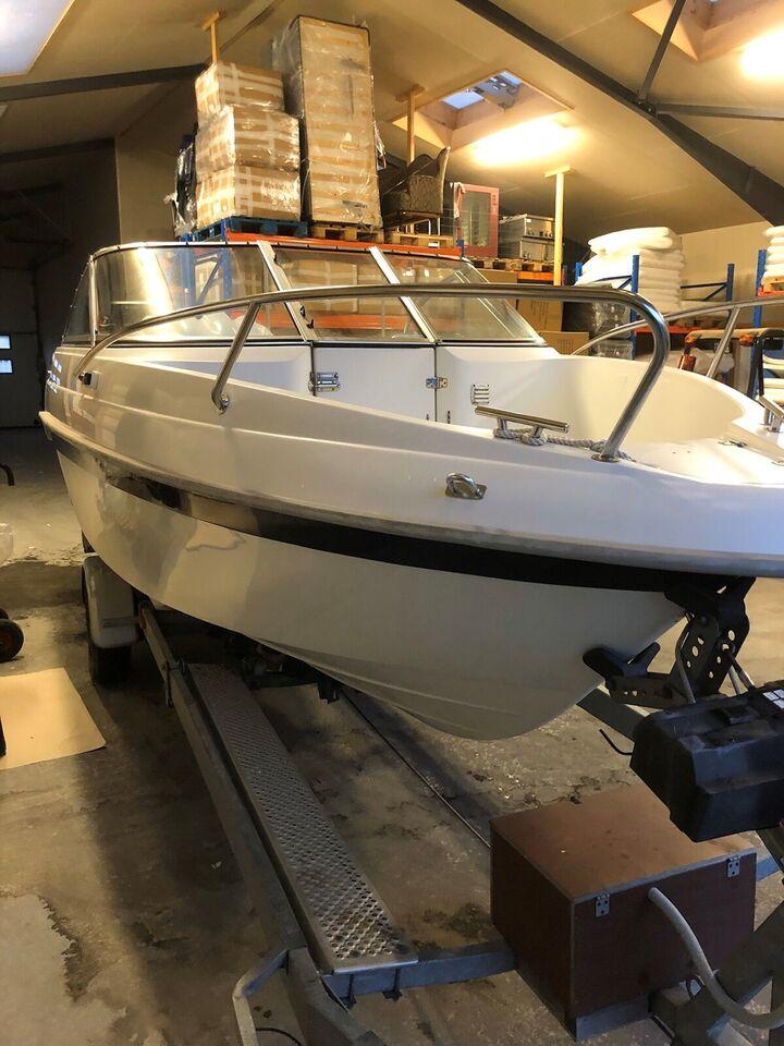 Finnmaster 5700 Open, Speedbåd, årg. 2008