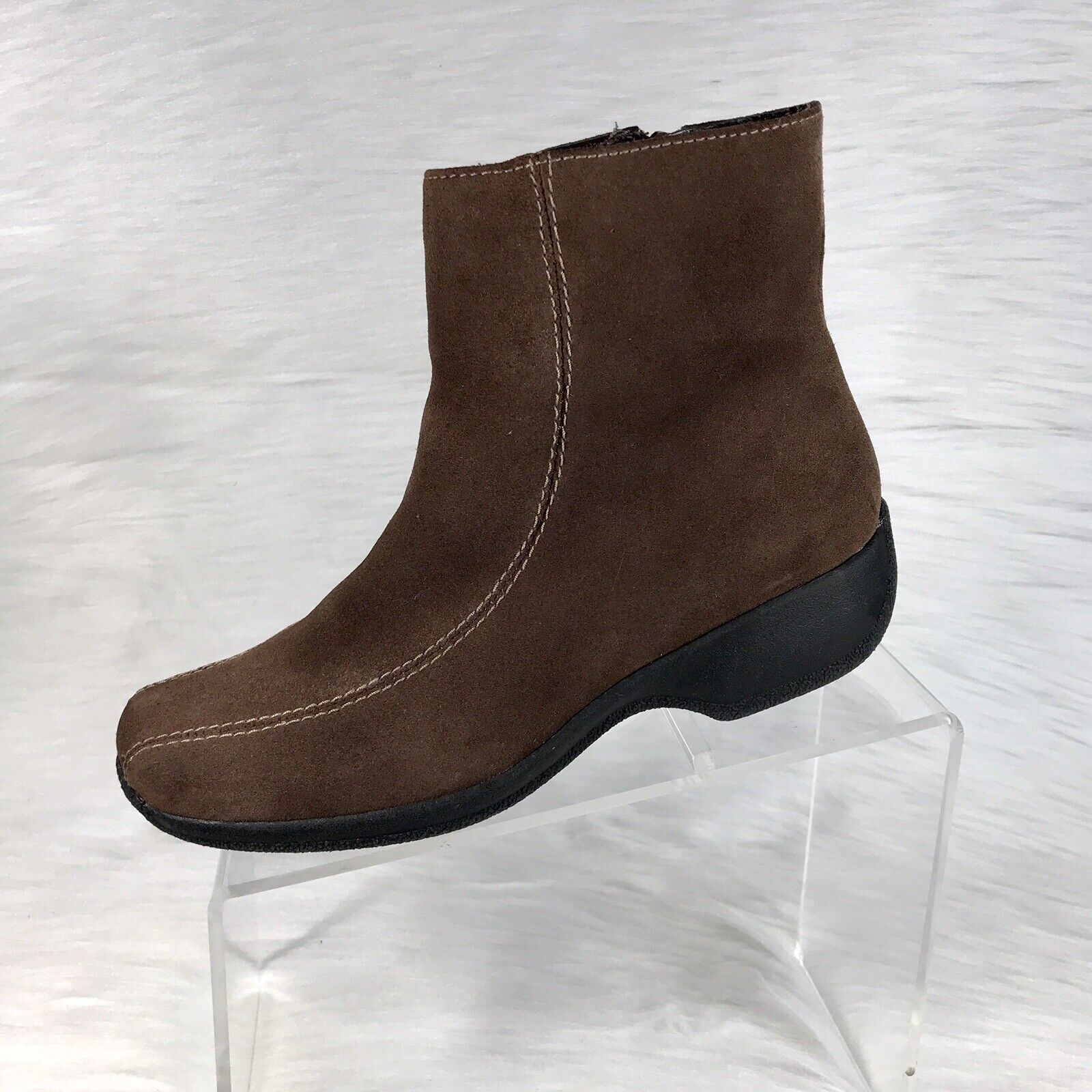 Clarks Women's Ankle Boots Brown Suede Size 7.5 W