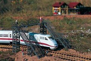 PIKO-G-SCALE-RAILWAY-FOOTBRIDGE-BN-62032