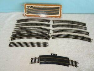 "Tyco Bachmann HO 18/""R Curved Track Lot 13 Steel Rails Black Ties Code 100"