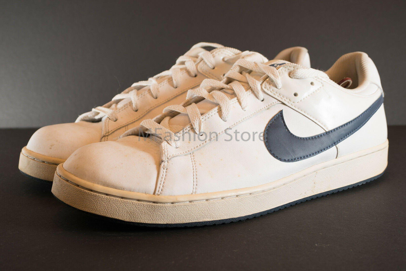NIKE WHITE LEATHER 318816-141 MENS SIZE US13 Pre Owned