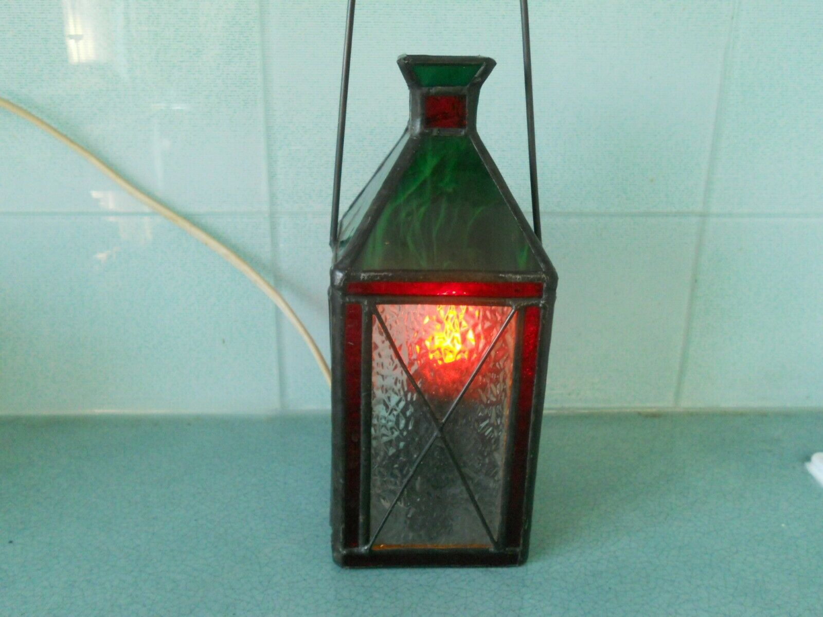 VINTAGE STAINED GLASS LEADED LANTERN STYLE TABLE LAMP