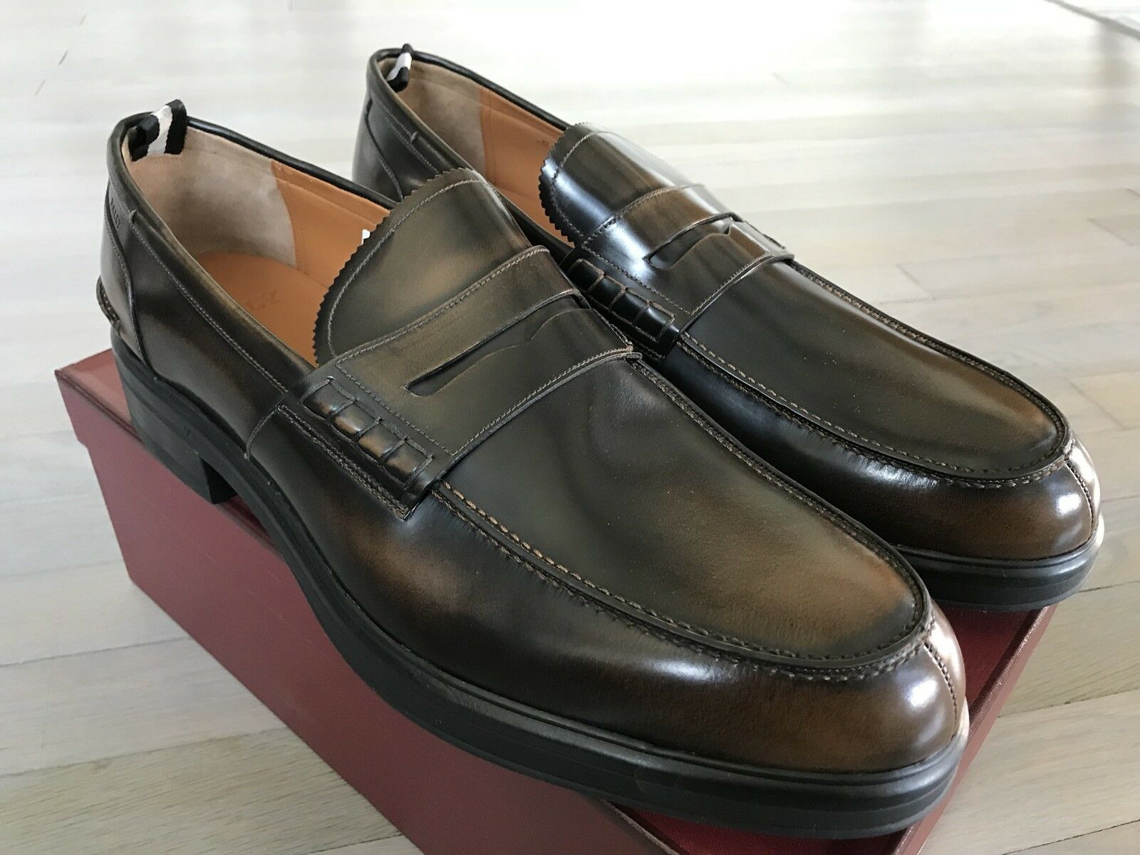 750  Bally Moby Honey Brushed Pelle Loafers Size US 13 Made in Switzerland