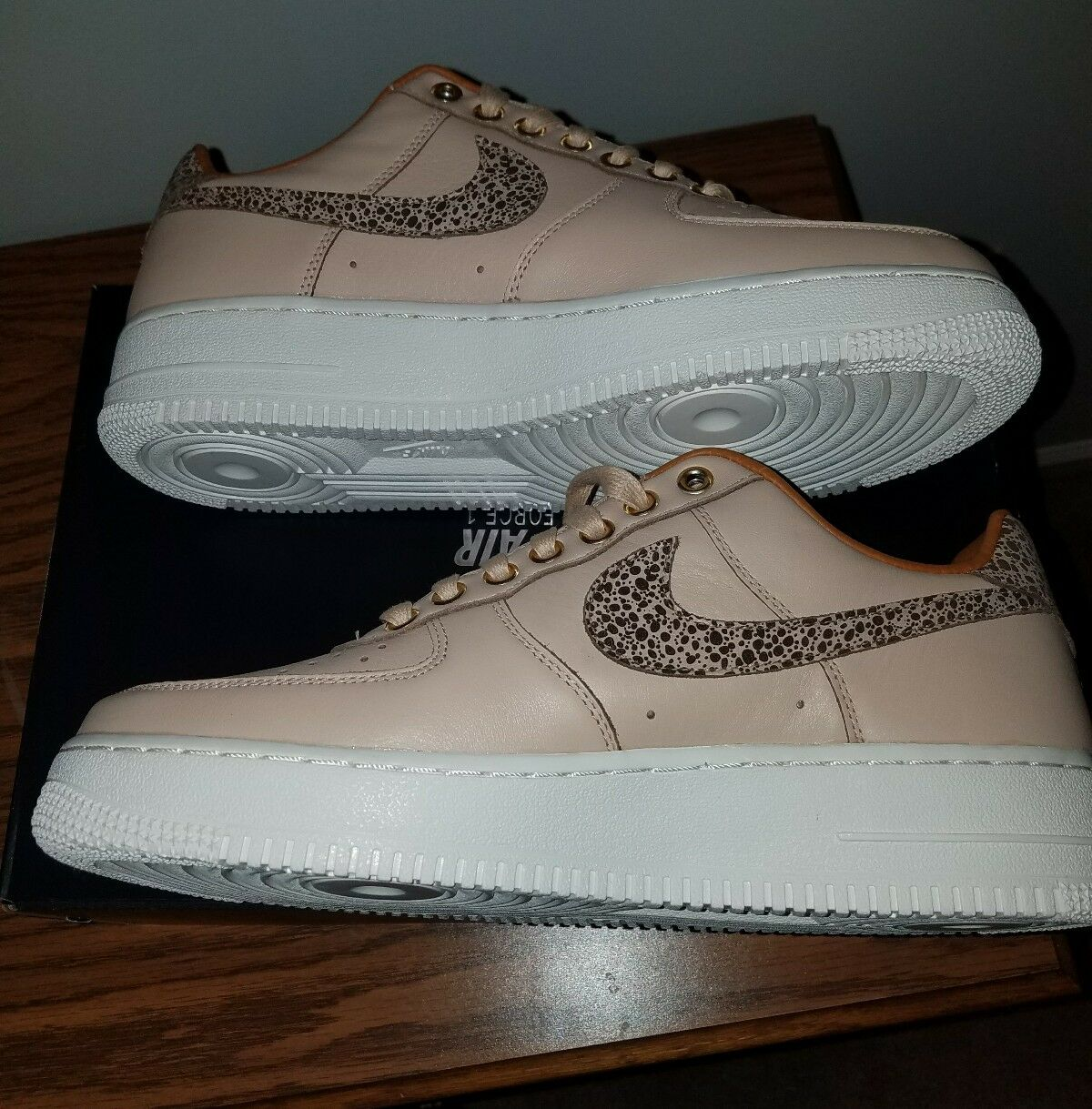 Nike Air Force 1 Vachetta/Tan AR5431 222 mens size 9. 100% AUTHENTIC Comfortable and good-looking
