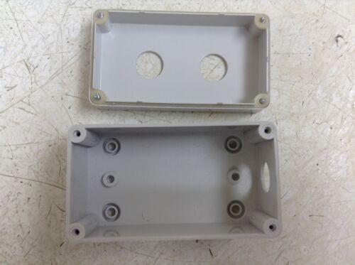 Sarel 03180 318 130 x 70 x 55 mm PVC Plastic Enclosure w// Holes New