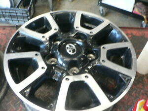 2014-19-Toyota-Tundra-OEM-18-inch-Alloy-Wheel-with-Cap-3