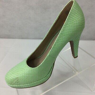 Tamaris Wortmann Pumps Sz 7.5 Round Closed Toe Mint Green Scales Slip On New   eBay