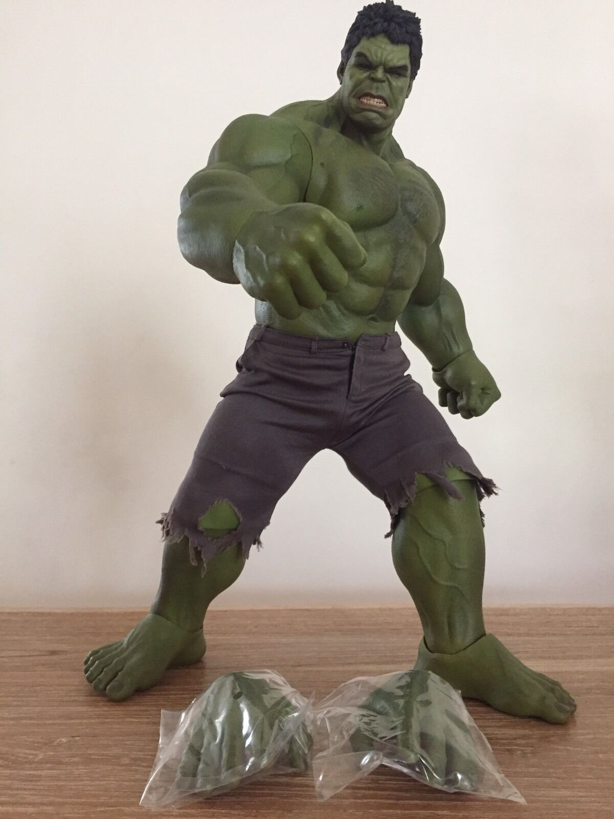 HOT TOYS TOYS TOYS MARVELS INCREDIBLE HULK MMS186 AVENGERS SIDESHOW BRUCE BANNER 63f096