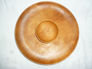 TASMANIAN-HUON-PINE-TURNED-28cm-SERVING-DISH-with-CENTRAL-BOWL-good-condition