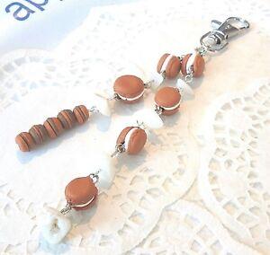 PORTE-CLE-bijou-sac-Macarons-en-Fimo-Unique-Neuf-Cadeau-a-offrir-ou-a-s-039-offrir