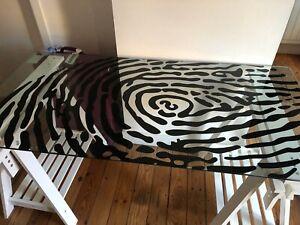 Détails sur Table BUREAU en verre motif empreinte pieds en bois blanc IKEA GLASHOLM