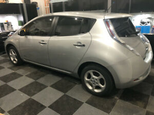 2012 NISSAN LEAF FAST CHARGE CAPABLE