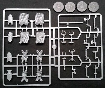 Slaves to Darkness New on Sprues Warhammer Age of Sigmar 4 Chaos Warriors