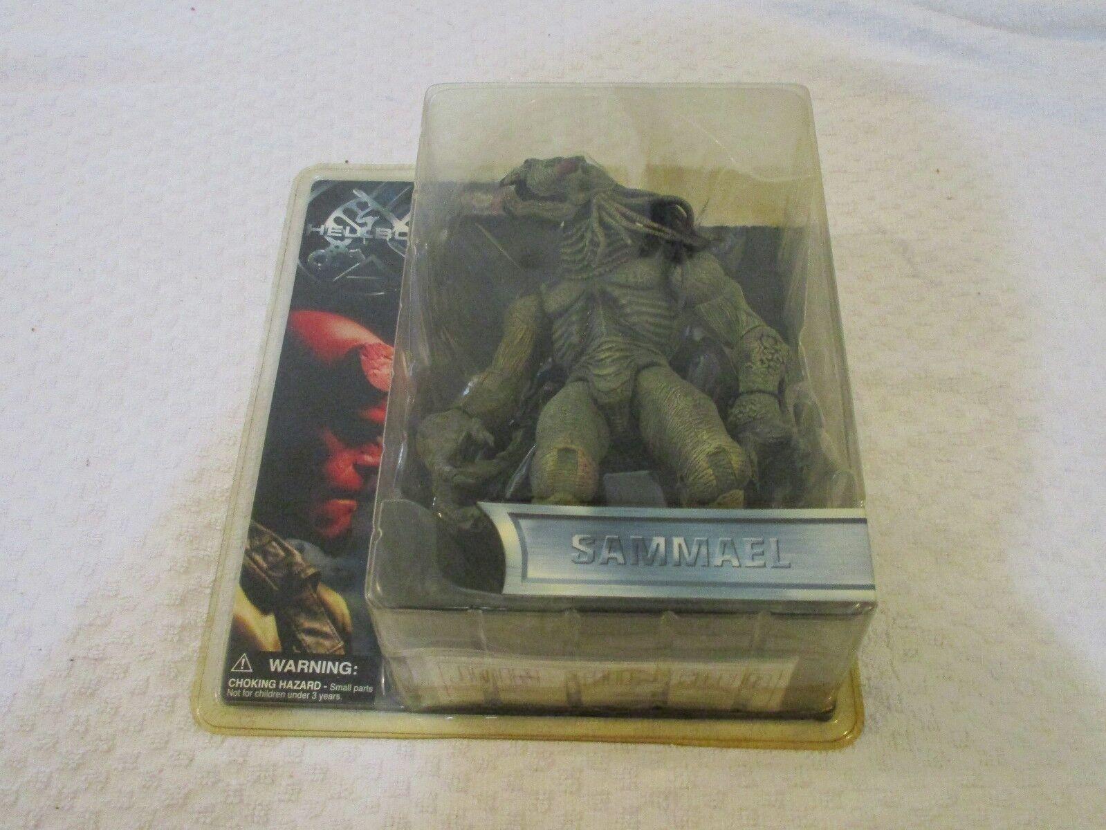 Mezco Hellboy Sammael 8