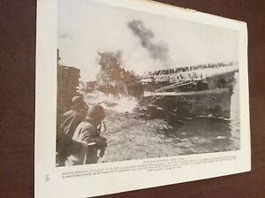 m12d-ephemera-1940s-ww2-picture-u-s-ship-franklin-hit-crew-line-decks
