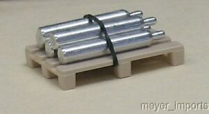 Pallet-w-Five-Industrial-Air-Canisters-Aluminum-O-Scale-101-0027