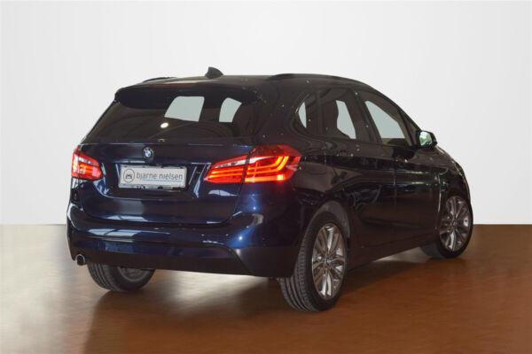 BMW 218d 2,0 Active Tourer Sport Line aut. - billede 2