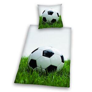 Bettwaesche-mit-Fussball-Kissenbezug-80-x-80-cm-und-Bettbezug-135-x-200-cm