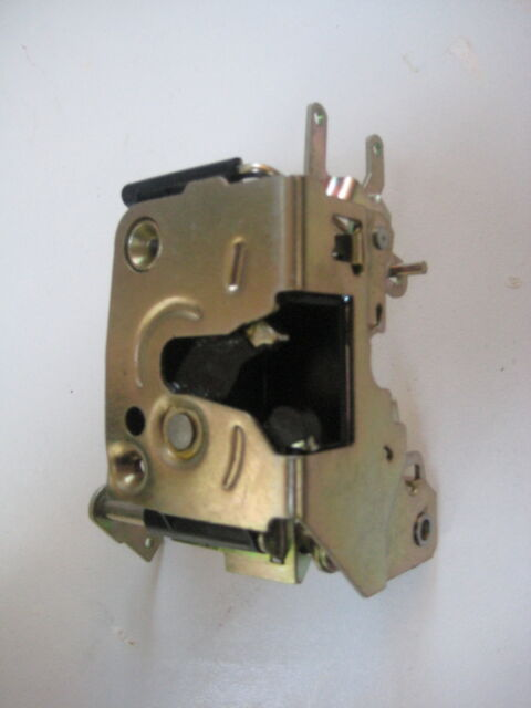 Land Rover Discovery Door Latch Left Hand Front MTC7592