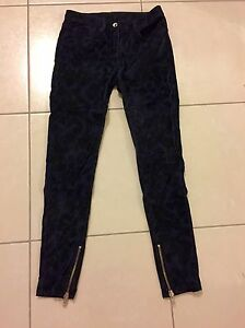 pantalon-SANDRO-taille-34-coupe-slim-fermetures-bas-NEUF