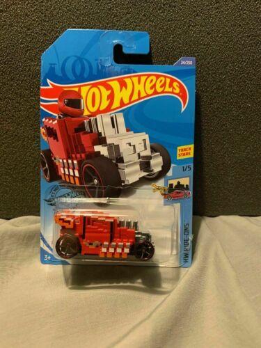 Hot Wheels Pixel Shaker Mine Craft Like HW Ride-ons