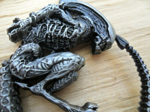 Alien Creature Large Pewter Effect Pendant /& Links Necklace 51cms NEW