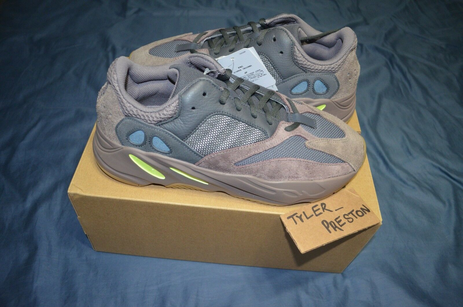 Adidas Yeezy Mauve 700 Boost 10 fw ss Cat Steiff RC TNF CDG Box 97 Scale S 350