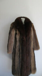 Women-039-s-Sz-8-Raccoon-Fur-Coat-with-Brown-Fox-Fur-Collar-MINT-Ladies